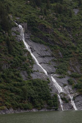 Glacier Bay National Park「Glacier Bay waterfall」:スマホ壁紙(17)