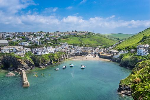 Cornwall - England「Port Isaac harbour and village Cornwall」:スマホ壁紙(15)