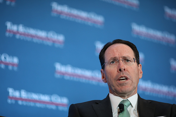 Consolidated News Pictures「AT&T CEO Randall Stephenson Speaks At The Economic Club Of Washington DC」:写真・画像(3)[壁紙.com]