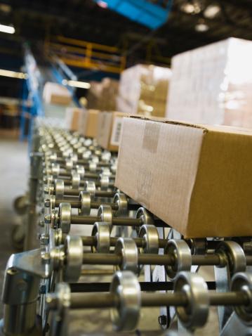 Belt「Packages on conveyor belt in warehouse」:スマホ壁紙(10)