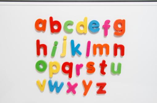 Magnet「A-Z coloured fridge magnet letters」:スマホ壁紙(18)