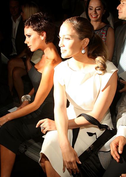Pencil Dress「Marc Jacobs - Front Row - Spring 09 MBFW」:写真・画像(7)[壁紙.com]
