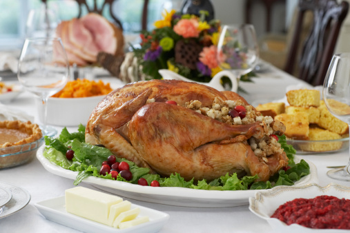 Tradition「Thanksgivig dinner on table」:スマホ壁紙(12)