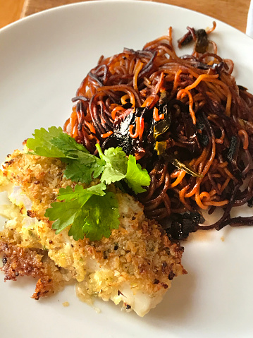 Chili Sauce「Baked Panko Crusted Cod with Pan Fried Chili Gochujang Ramen Noodles」:スマホ壁紙(18)