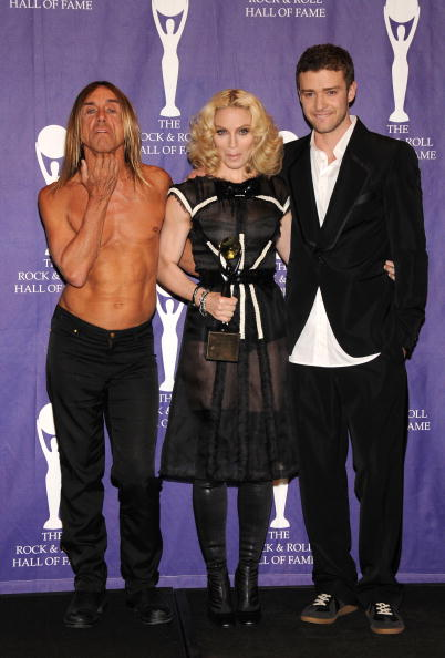 Singing「2008 Rock & Roll Hall Of Fame Induction - Press Room」:写真・画像(17)[壁紙.com]