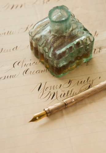 Fountain Pen「Quill pen and ink bottle on old letter」:スマホ壁紙(11)
