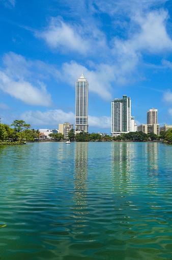 雲「Colombo skyline Beira Lake」:スマホ壁紙(4)