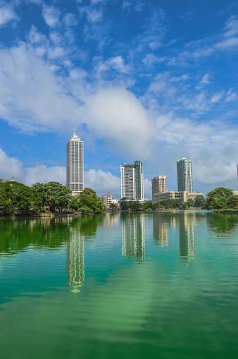 雲「Colombo skyline Beira Lake」:スマホ壁紙(2)