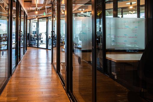 Buenos Aires「Corporate business building corridor」:スマホ壁紙(4)