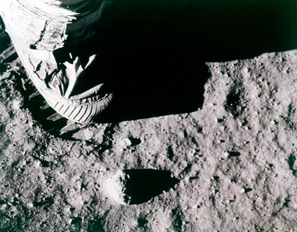 Land「Buzz Aldrins Footprint On The Moon,」:写真・画像(4)[壁紙.com]