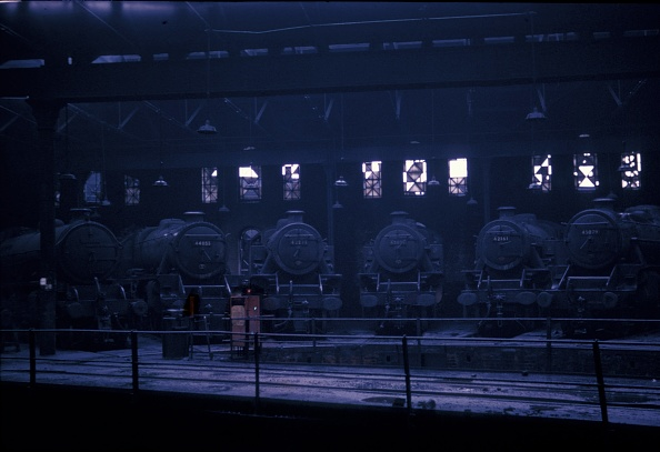 The Roundhouse「A line up of motive power in the roundhouse of Leeds Holbeck Depot.」:写真・画像(10)[壁紙.com]