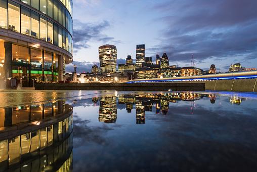 イギリス「ロンドンの街」:スマホ壁紙(8)