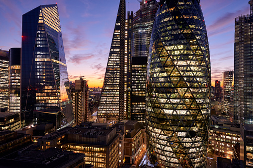 Insurance「City of London financial district at dusk」:スマホ壁紙(17)