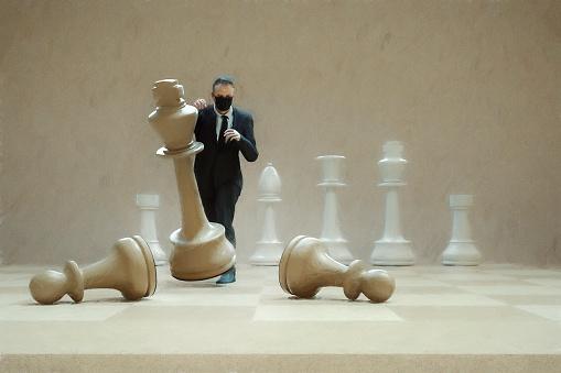 Battle「Businessman hitting chess figure」:スマホ壁紙(17)