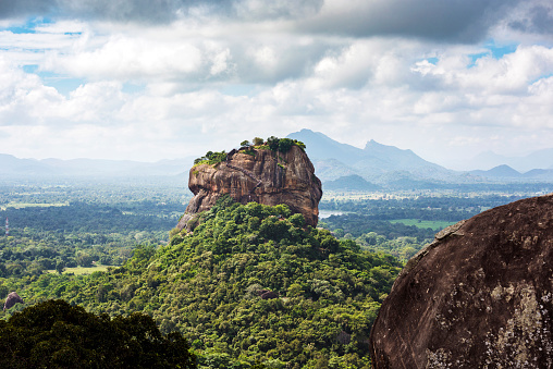 Sri Lanka「Lion rock, Dambulla, Matale District, Central Province, Sri Lanka」:スマホ壁紙(10)