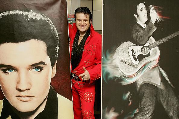 """Red Suit「Elvis Fan Places """"World's Largest Bet""""」:写真・画像(19)[壁紙.com]"""