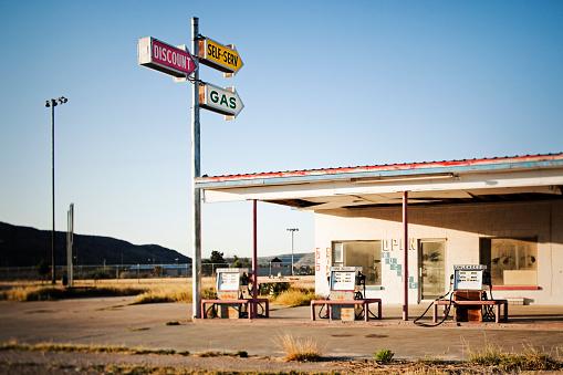 Gulf Coast States「Abandoned gas station」:スマホ壁紙(1)