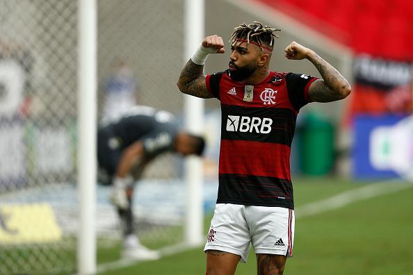 Incidental People「2020 Brasileirao Series A: Flamengo v Santos Play Behind Closed Doors Amidst the Coronavirus (COVID-19) Pandemic」:写真・画像(12)[壁紙.com]