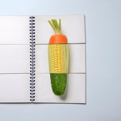 ニンジン「Mix and match book showing vegetables」:スマホ壁紙(13)