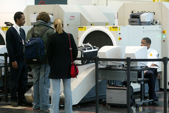 Explosive「Baggage Screening At Reagan National Airport」:写真・画像(18)[壁紙.com]