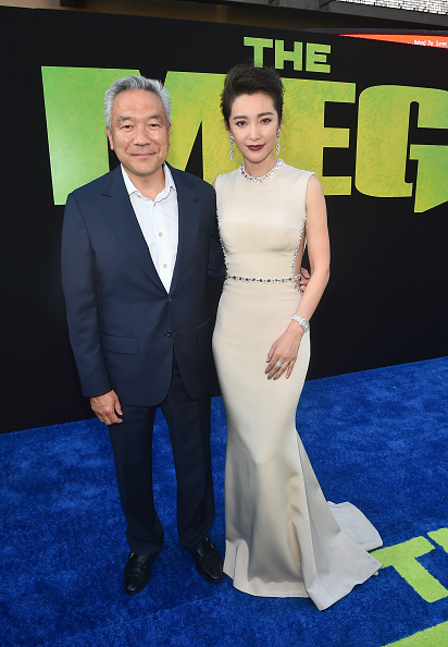 """Li Bingbing「Warner Bros. Pictures And Gravity Pictures' Premiere Of """"The Meg"""" - Red Carpet」:写真・画像(11)[壁紙.com]"""