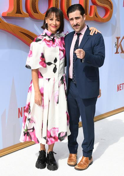 "Hot Pink「Premiere Of Netflix's ""Klaus"" - Arrivals」:写真・画像(14)[壁紙.com]"