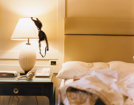Lamp Shade「Brassiere on Lampshade」:スマホ壁紙(17)