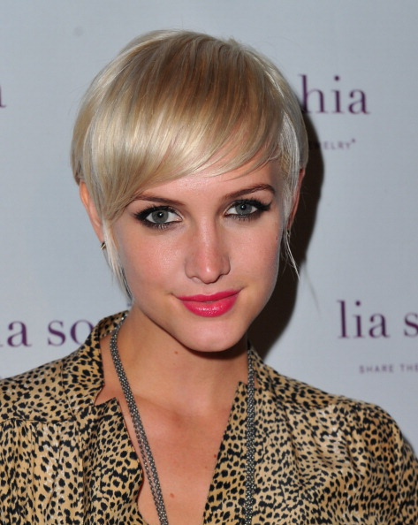Eyeliner「lia sophia Celebrates And Unveils Their Latest Jewerly Creations At The Sunset Marquis」:写真・画像(3)[壁紙.com]