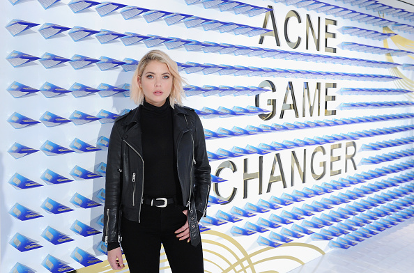 アシュリー ベンソン「National Launch Of Differin Gel With Ashley Benson At Nestle SHIELD Center In New York City」:写真・画像(12)[壁紙.com]