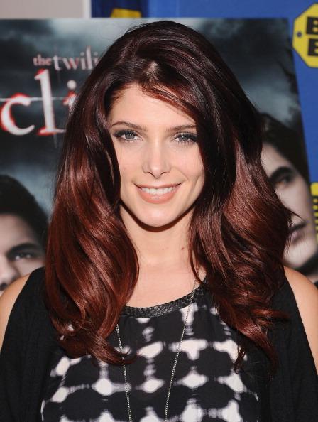 エクリプス トワイライト・サーガ「Ashley Greene Signs Copies Of 'The Twilight Saga: Eclipse'」:写真・画像(18)[壁紙.com]