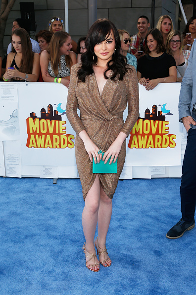 2015年「The 2015 MTV Movie Awards - Red Carpet」:写真・画像(7)[壁紙.com]