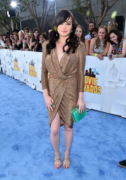 2015年「The 2015 MTV Movie Awards - Red Carpet」:写真・画像(1)[壁紙.com]