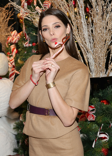 Ashley Greene「Brooks Brothers Celebrates the Holidays with St. Jude Children's Research Hospital」:写真・画像(11)[壁紙.com]