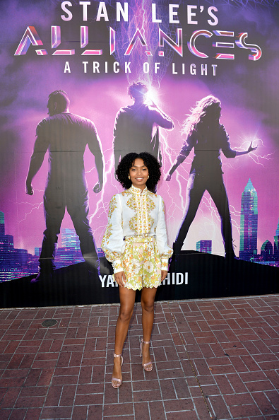 Multi Colored Blouse「Actress Yara Shahidi Visits Audible's 'Stan Lee's Alliances: A Trick of Light' Experience At San Diego Comic-Con」:写真・画像(0)[壁紙.com]
