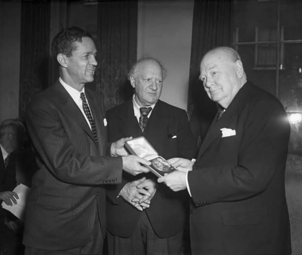 メダル授与式「Philadelphia Franklin Medal」:写真・画像(8)[壁紙.com]