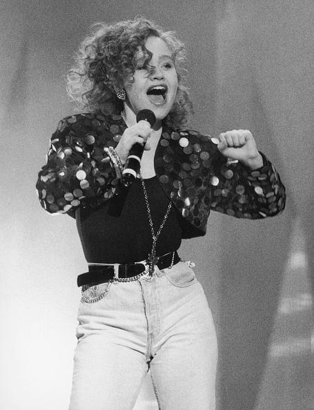 Singer「Sonia On Stage」:写真・画像(4)[壁紙.com]