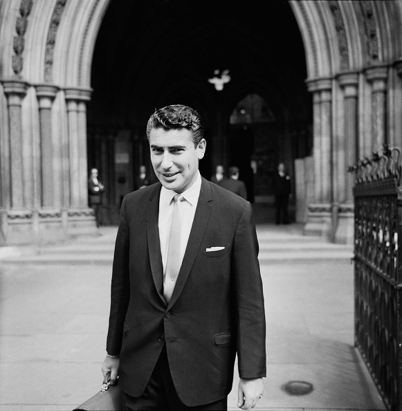 Harold Clements「Larry Parnes at the Royal Courts of Justice」:写真・画像(2)[壁紙.com]