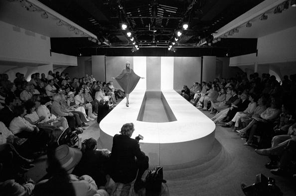 1981「Pierre Cardin Fashion Show」:写真・画像(4)[壁紙.com]