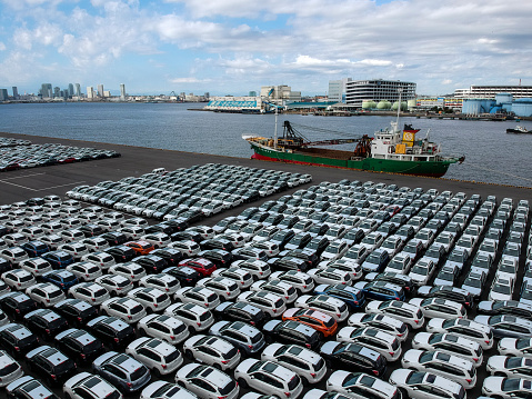 Car Dealership「A car lining in the harbor.」:スマホ壁紙(16)