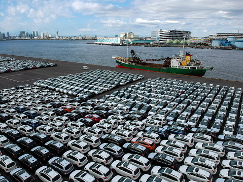 Car Dealership「A car lining in the harbor.」:スマホ壁紙(6)
