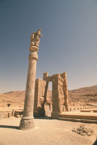 Iranian Culture「The site of Persepolis, Iran, Low Angle View」:スマホ壁紙(18)
