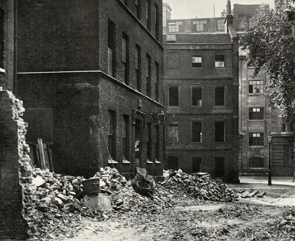 Bad Condition「The Site Of The Gateway From Fetter Lane And The Derelict Houses Awaiting Demolition」:写真・画像(19)[壁紙.com]