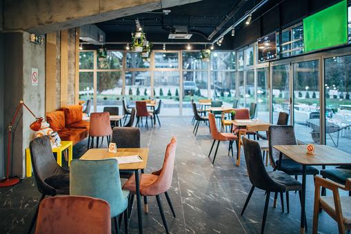 Empty Desk「Inside of modern cafe」:スマホ壁紙(15)