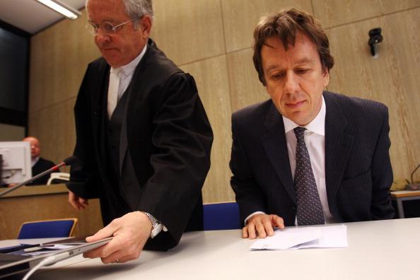 Waiting「Kachelmann Trial Continues」:写真・画像(2)[壁紙.com]