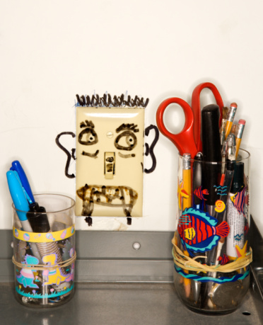 Light Switch「Funny face drawing on light switch」:スマホ壁紙(8)