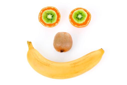 Kiwi「Funny face made from fruit.」:スマホ壁紙(6)