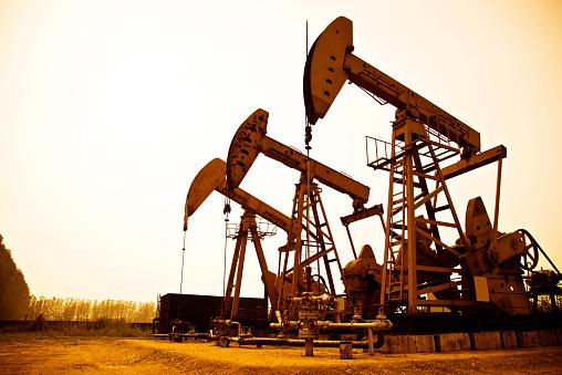 Borehole「Oil pumps working at sunset」:スマホ壁紙(15)