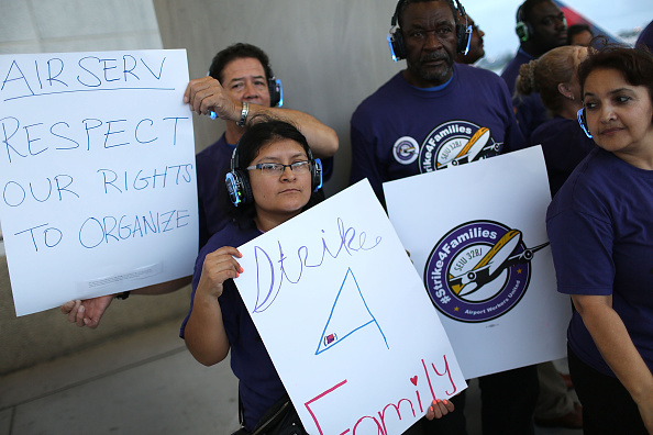 Passenger Cabin「Fort Lauderdale Airport Workers Join National Strike」:写真・画像(6)[壁紙.com]