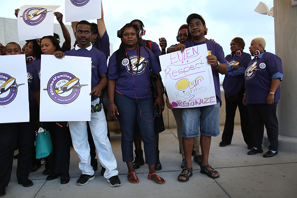 Passenger Cabin「Fort Lauderdale Airport Workers Join National Strike」:写真・画像(3)[壁紙.com]