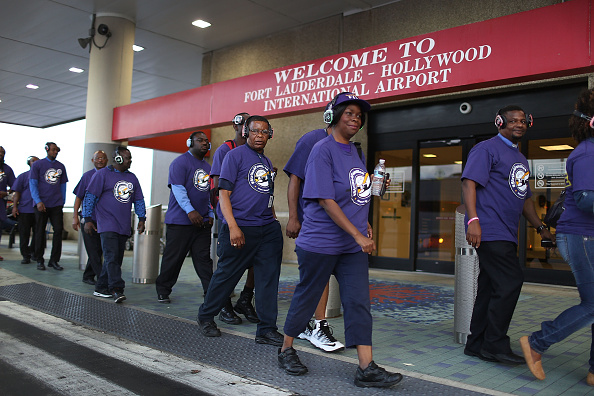 Passenger Cabin「Fort Lauderdale Airport Workers Join National Strike」:写真・画像(4)[壁紙.com]
